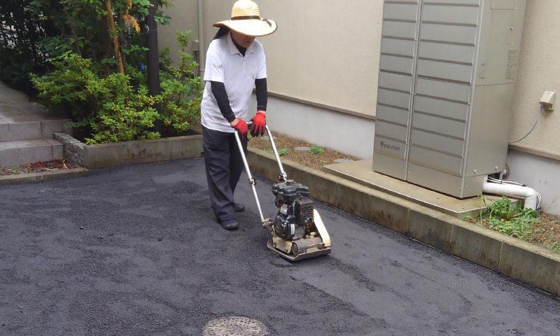 東京都 T様邸の庭施工中の写真4