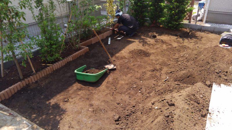 東京都 O様邸の庭施工中の写真2