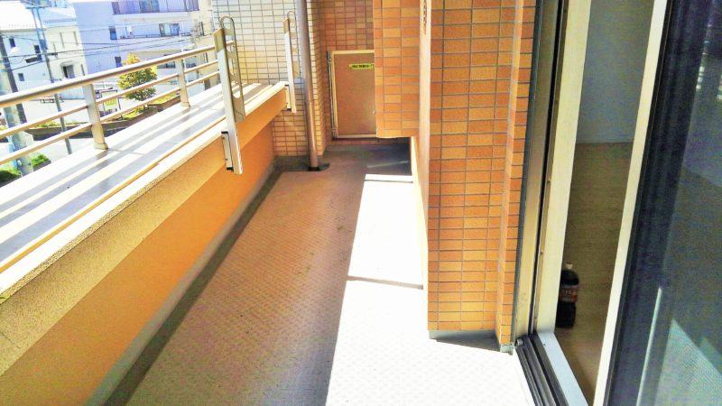 東京都 L様邸のベランダ施工前の写真1