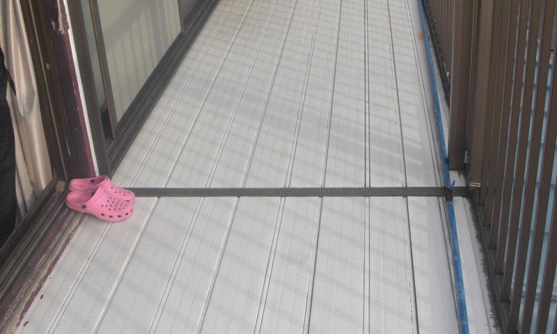 神奈川県 Y様邸のベランダ・施工前の写真