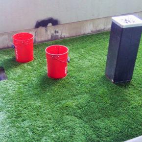 安全に配慮した防炎仕様の人工芝の施工事例アイキャッチ画像