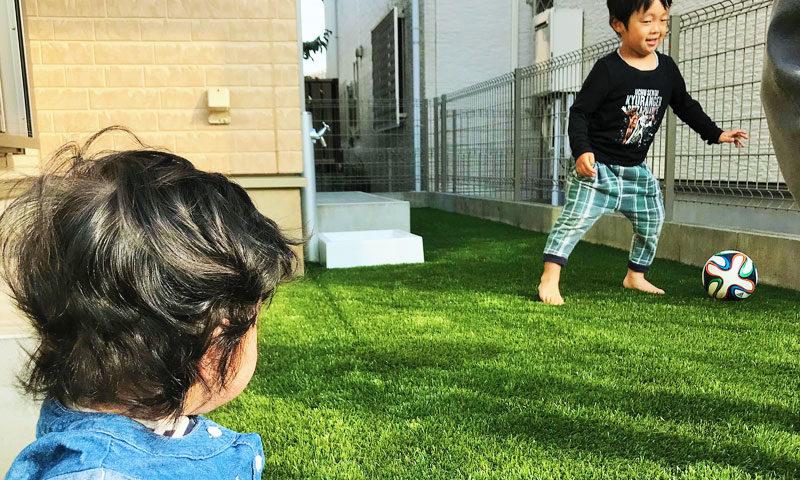 東京都 K様邸の庭・ご家族の写真