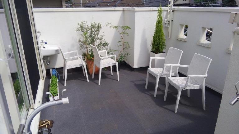 2階から直接行ける庭に・施工前の写真