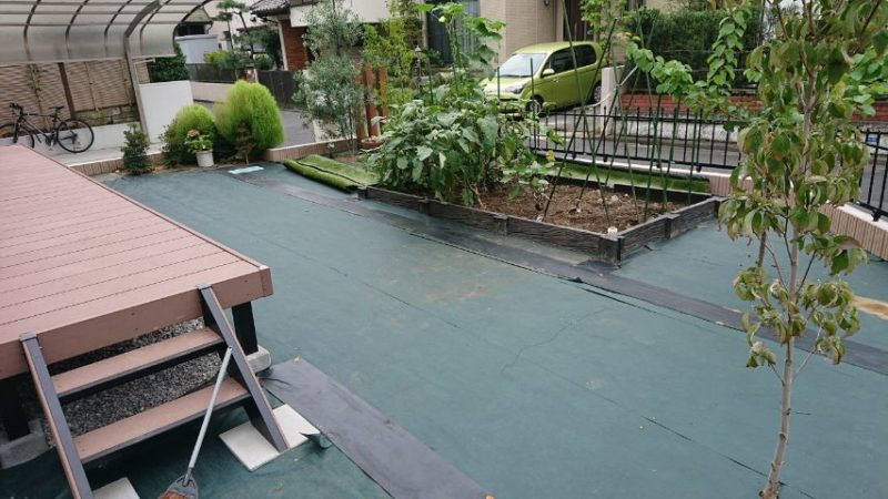 東京都S様邸の庭施工中の写真1
