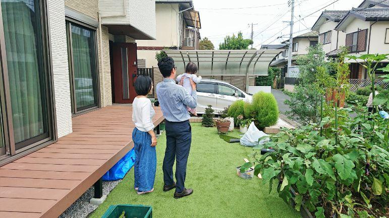 東京都S様邸の庭・ご家族の写真